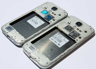 Galaxy S4 I9507 Housing & Mid Frame next to the I9505