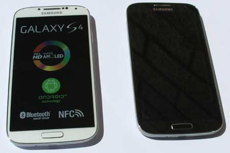 External View of the Galaxy S4 I9507 & I9505 side by side